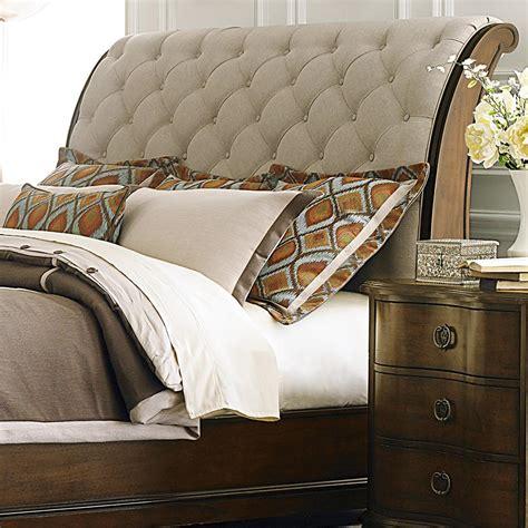 Upholstered-Sleigh-Headboard-Diy