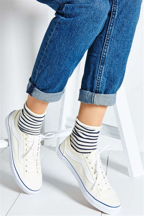 Vans 36 Slim Low Top Women's Sneaker