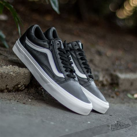 Vans Mens Premium Leather Old Skool Zip Sneaker