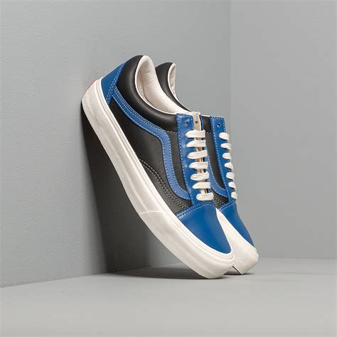 Vans Vault Old Skool Leather Sneakers