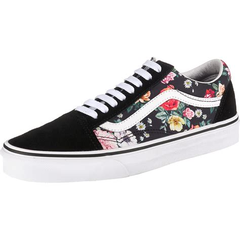 Vans Women's Ua Old Skool Low Top Sneakers