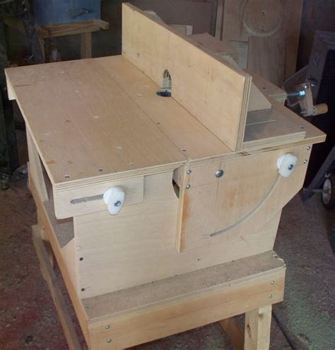 Vertical Plunge Router Table