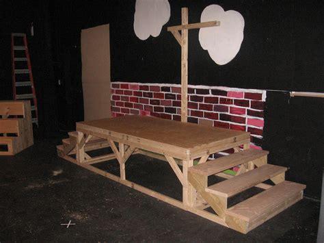 Very-Tall-Wood-Diy-Platform
