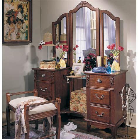 Vintage-Bedroom-Vanity-Set