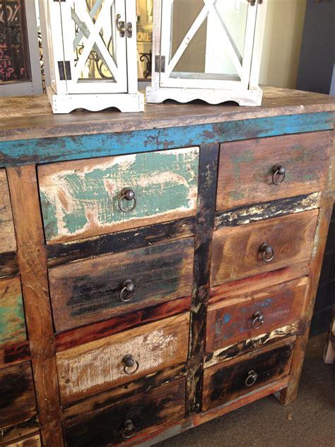 Vintage-Look-Furniture-Diy