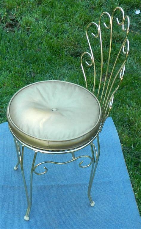 Vintage-Metal-Vanity-Chair