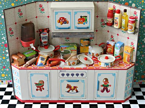 Vintage-Toy-Kitchen