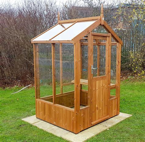 Walk-In-Mini-Greenhouse-Plans