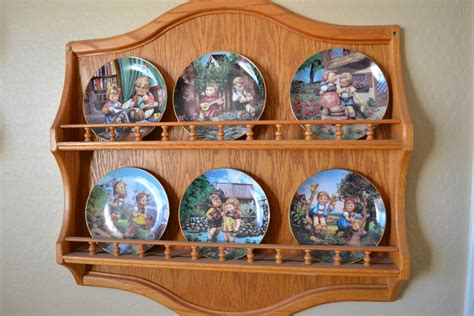 Wall Mounted Decorative Plate Holder