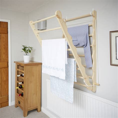 Wall-Mounted-Laundry-Drying-Rack-Plans
