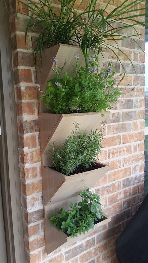 Wall-Mounted-Planter-Box-Plans