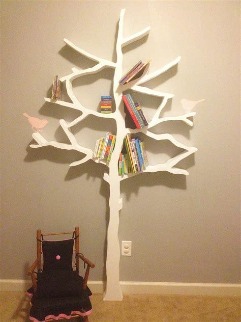 Wall-Tree-Bookshelf-Diy