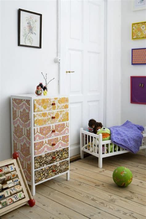 Wallpaper-On-Furniture-Diy