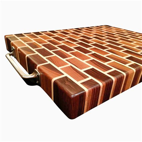 Walnut End Grain Cutting Board Plans