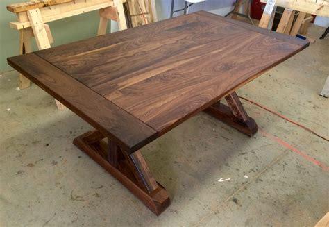 Walnut-Trestle-Table-Plans