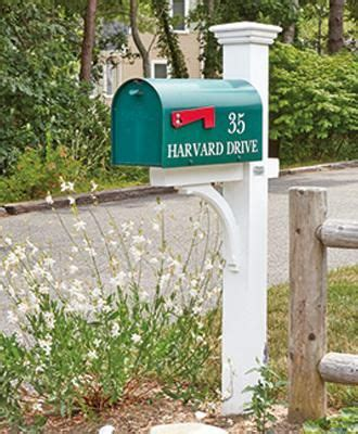 Walpole-Woodworkers-Mailbox-Post