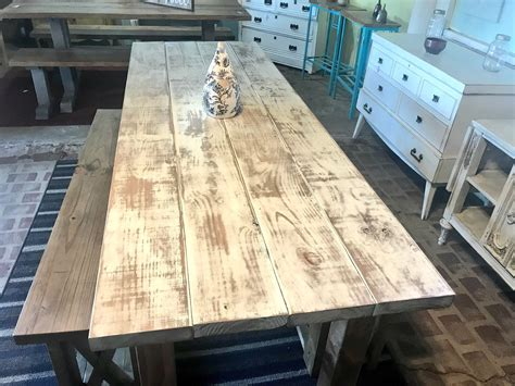 Weathered-Wood-Farm-Table