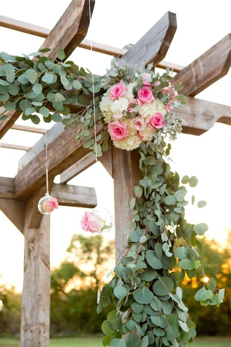 Wedding-Pergola-And-Garland-Diy