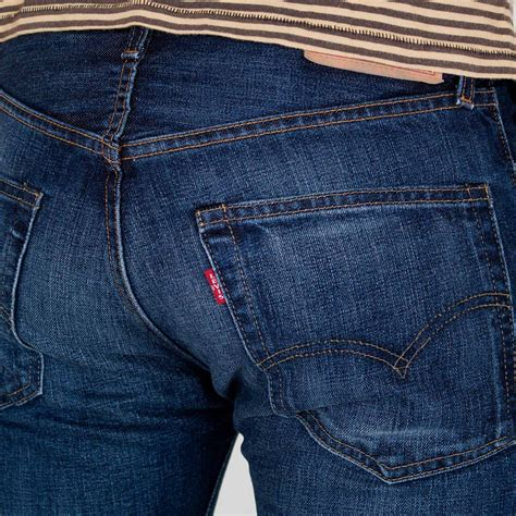 What Stores Carry Levi Jeans And Converse Sneakers