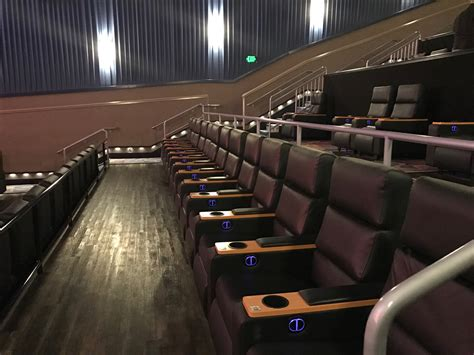 Which Regal Theaters Have Recliners