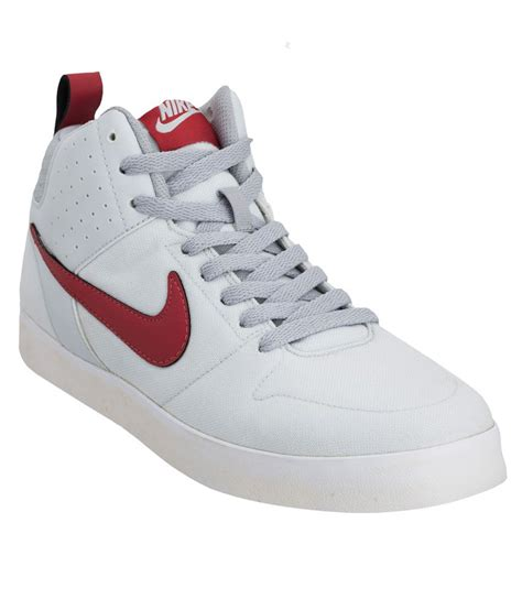 White Nike Sneakers Canvas