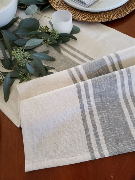 White-And-Gray-Farmhouse-Table-Runner
