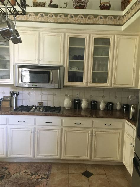White-Cabinets-With-Oak-Woodwork