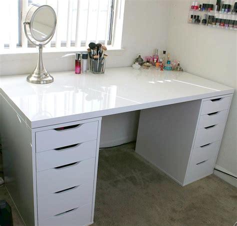 White-Desk-Diy-Vanity