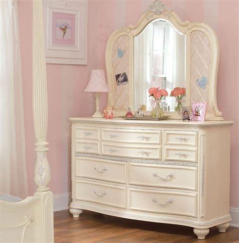 White-Dresser-For-Girls-Room