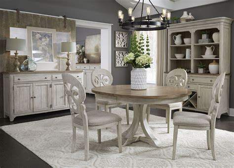 White-Farmhouse-Dining-Room-Table