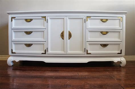 White-Lacquer-Furniture-Diy