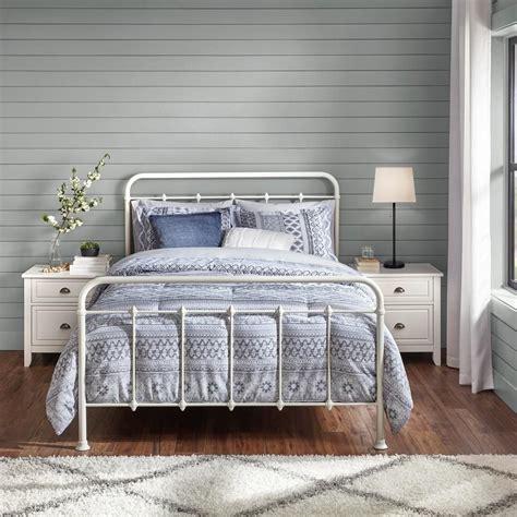 White-Metal-Farmhouse-Bed