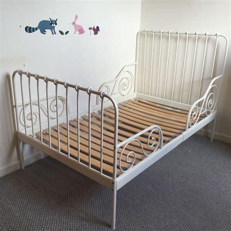 White-Metal-Toddler-Bed-Frame