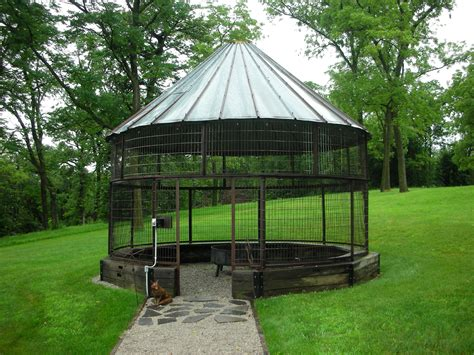 Wire-Corn-Crib-Plans