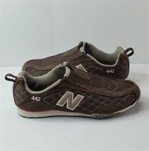 Women's New Balance Tennis Sneakers Size 8