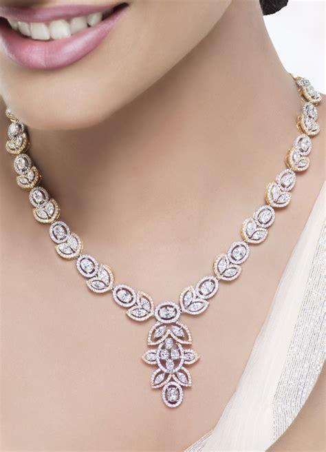 Women Crazy for Diamond Jewellery