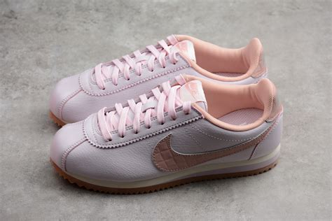 Womens Classic Cortez Leather Trainers