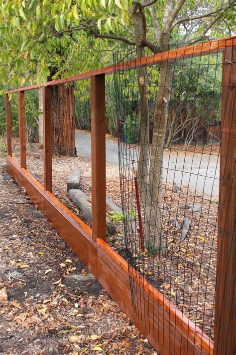 Wood Frame Wire Fence Diy Ideas