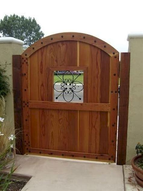 Wood Gate DIY Design Projects
