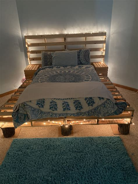 Wood Pallet Bed Frame Diy Pinterest