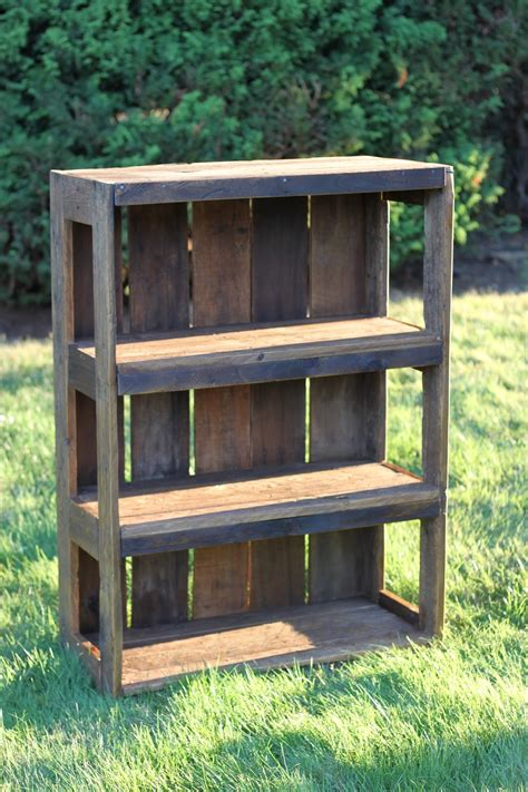Wood Pallet Bookshelf Diy