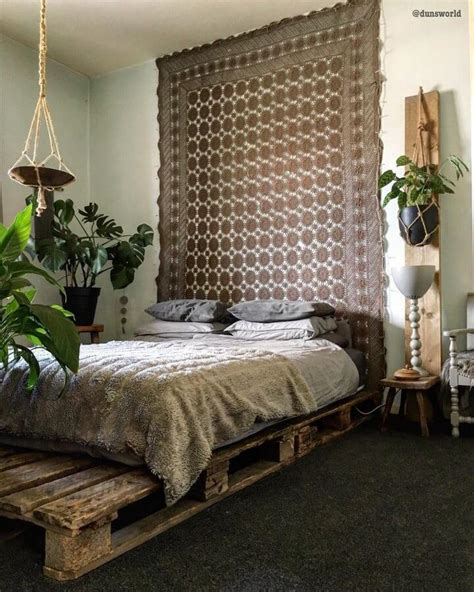 Wood Pallets Bed Diy Plans