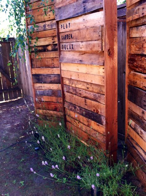 Wood Privacy Fence Diy Using Pallets