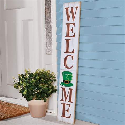 Wood Welcome Sign With Seasonal Plaques