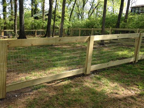 Wood Welded Wire Dog Fence Plan