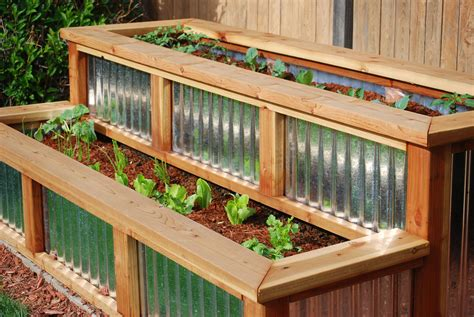 Wood-And-Galvanized-Metal-Planter-Diy
