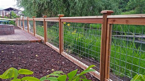 Wood-And-Wire-Fence-Plans
