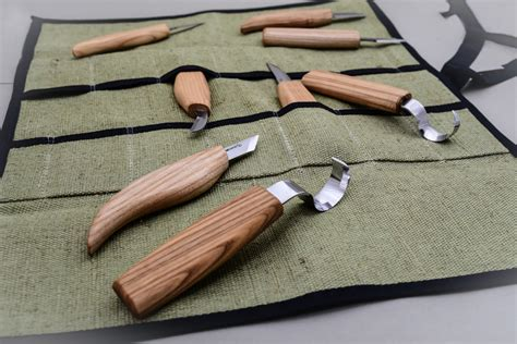 Wood-Carving-Tools-For-Small-Projects