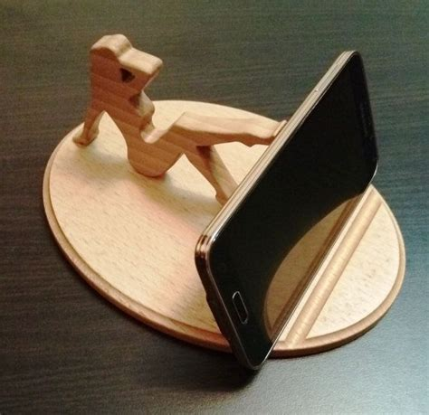 Wood-Cell-Phone-Stand-Plans