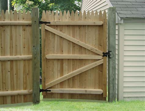 Wood-Fence-Door-Plans